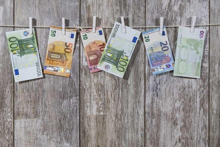 Guida alla Dichiarazione dei Redditi - Small Business Italia