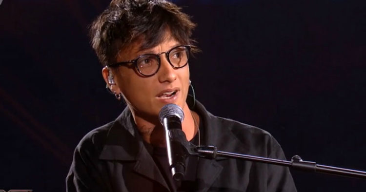 occhiali-ultimo-cantante